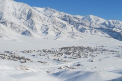 The passage to Kosh-Bulak is open for a short three-month period and impassable the rest of the year, leaving the village in complete isolation. (WFP/Ulan Raimkulov)